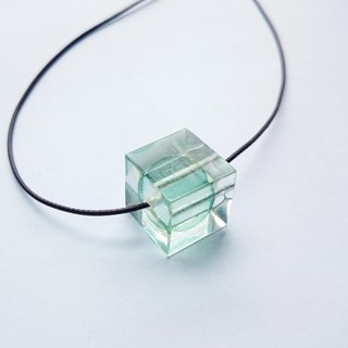 Element stone / Ocean / Adjustable Cube resin necklace