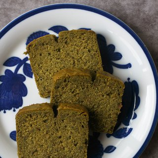Home-made pound cake matcha with ginger