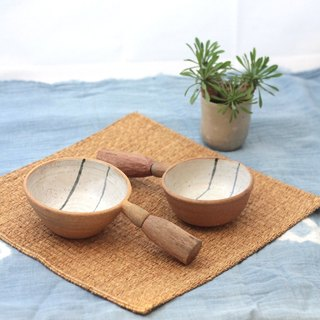 3.2.6. studio: Handmade ceramic tree bowl with wooden handle (set).