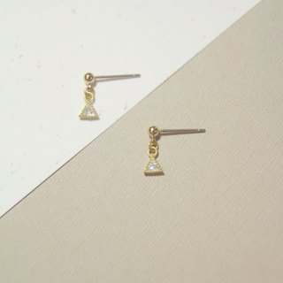 Triangular piping zircon drill simple earrings can be changed to clip