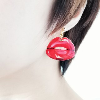 Sexy red lips style / cute illustration / pin earrings