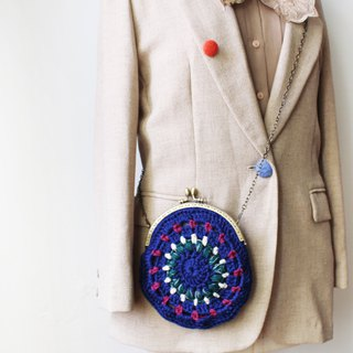 Wool coin purse gold bag double chain in the round blue