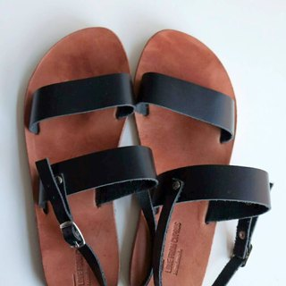 Clearing} {LovefromCyprus showpiece after deduction simple black genuine leather sandals EU37 (there within a solid diagram)