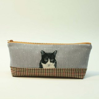 Embroidery Pencil Bag 18 - Black and White Cat