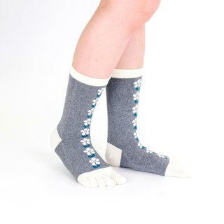 mati pattern 5toe socks
