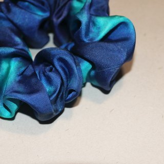 """Labyrinth 11"" blue dream print pure silk elastic fashion hair ring"