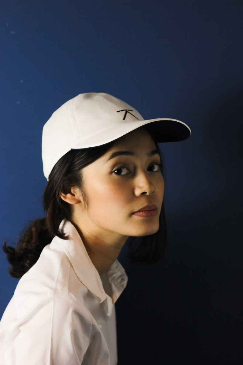 091247ebbc54 Linen cap - white - Designer Kodangs
