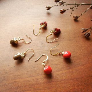 *Coucoubird*glazed small earrings - apple / strawberry / Acorn