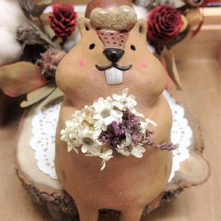 Squirrel Family - Flower Squirrel Mother Pottery Flower
