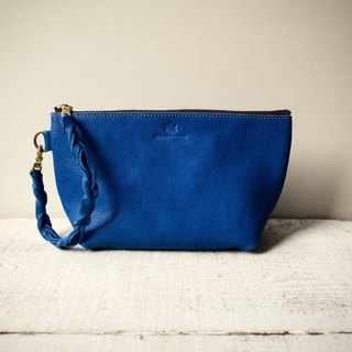 "【Instant delivery possible】 JAPAN leather * Nume leather clutch pouch ""barco"" M (regatta blue)"