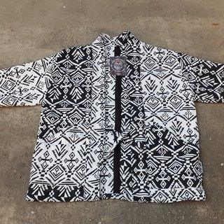 AMIN'S SHINY WORLD handmade KIMONO Tai Chi black and white totem blouse coat