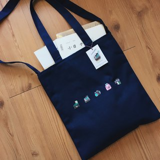 [Littdlework] camera-controlled Japanese embroidery zipper canvas bag + embroidered badge