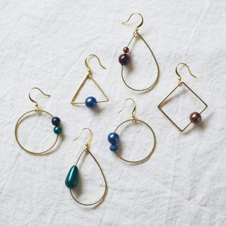 Geometric asymmetrical earrings
