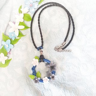 Blue wreath three - dimensional flower modeling necklace