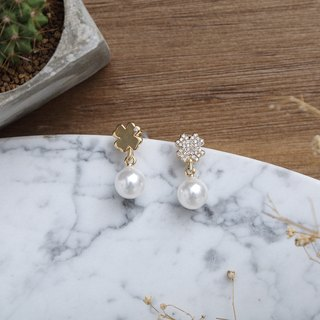 Lucky Clover Pearl and Gold Earrings 幸運四葉草珍珠鍍黃金耳環