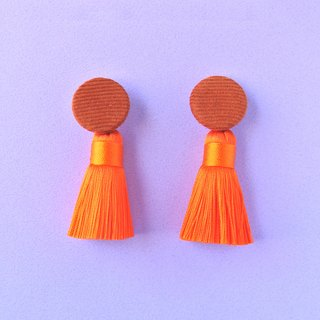 Coffee corduroy round button / orange tassel earrings
