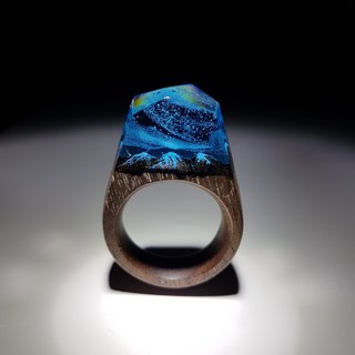 [Handmade] Walnut Aurora hand carved snow mountain wood ring tiny snow mountain with aurora