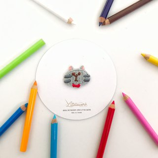 Littdlework Mini Embroidered Badge | Neckline Chapter | Grey Cat