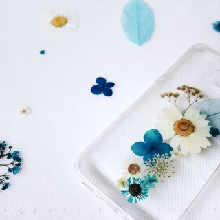 蓝白配 • Handpressed Flower Phone Case