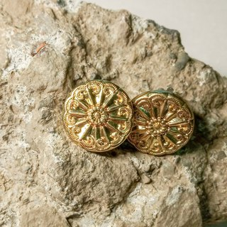 Vintage button earrings // 贰