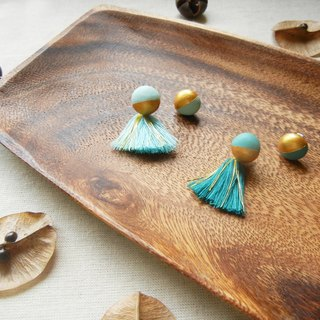 *Coucoubird*half - mint green gold ball earrings / does not contain tassels