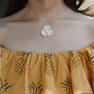 Bare Flower - Sterling Silver Necklace / White