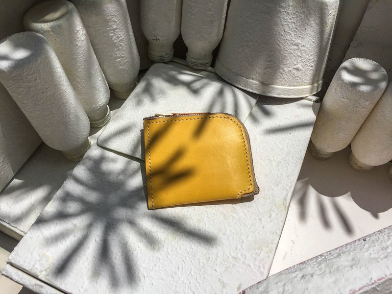 Do not hit the bag of lemon yellow vegetable tanned leather full leather L-shaped purse
