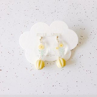 Illustrator Note Series - 槿 槿 pendant hand-painted resin handmade earrings ear pin / ear clip