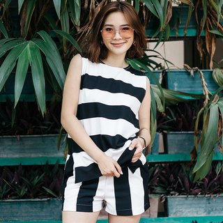 Sleeveless boxy - stripe b / w