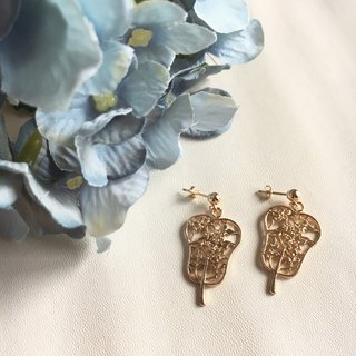 14k gold-plated oriental fan earrings
