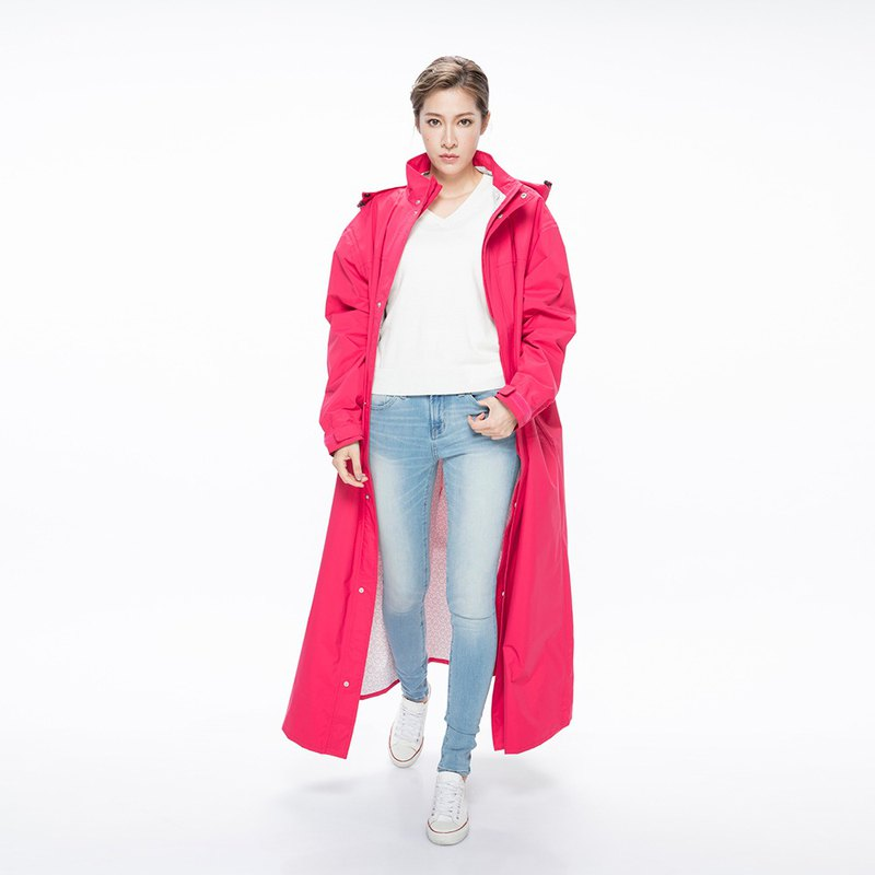 【MORR】Dimensional front-open raincoat - Cerise