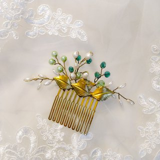 Wearing a happy earrings series - bridal comb. French comb. Self-service wedding - green wings
