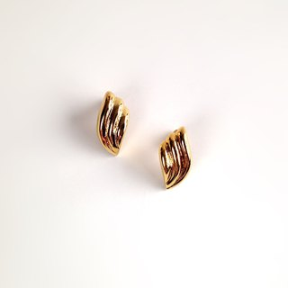 [Ancient pieces] retro golden wings • Earrings
