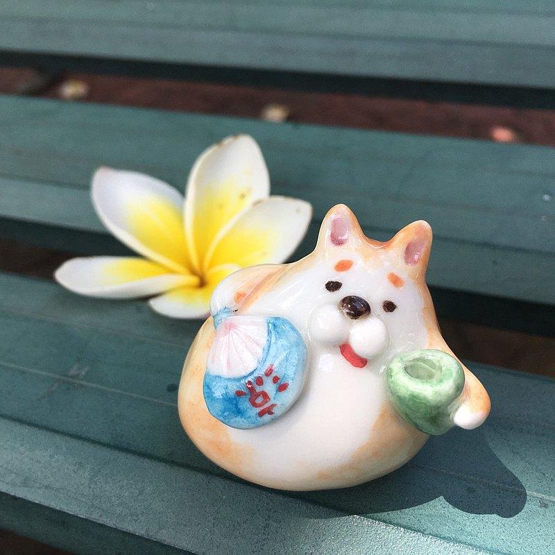 手作動物陶瓷偶-柴犬涼扇款
