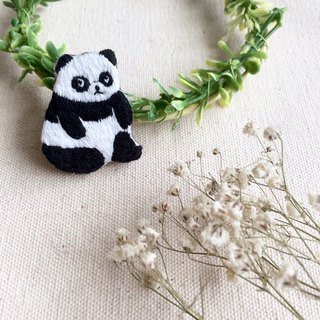 Hand embroidery * stay up late the giant panda pin