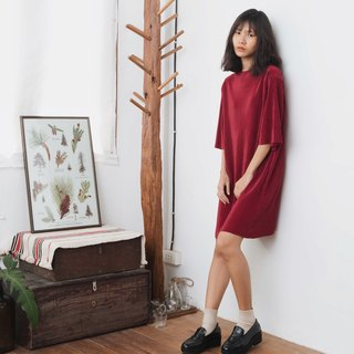MAROON RED PLEAT OVERSIZED DRESS WITH HIGH NECK