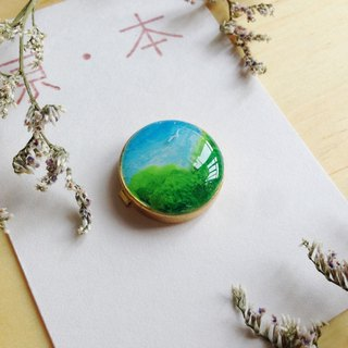 Season Travel Button Cuff
