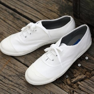 8 fold clear - slight yellow spots on the upper - casual shoes - KARA classic white