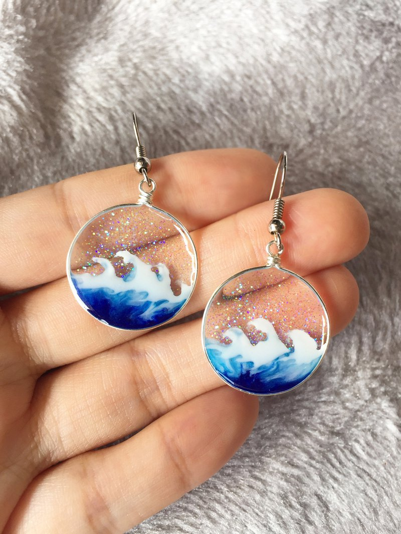 【Wave】Handmade Artistic Ocean Jewelry. Transparent Resin Art Earrings.