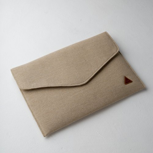 Rustic Envelope Document Clutch Beige