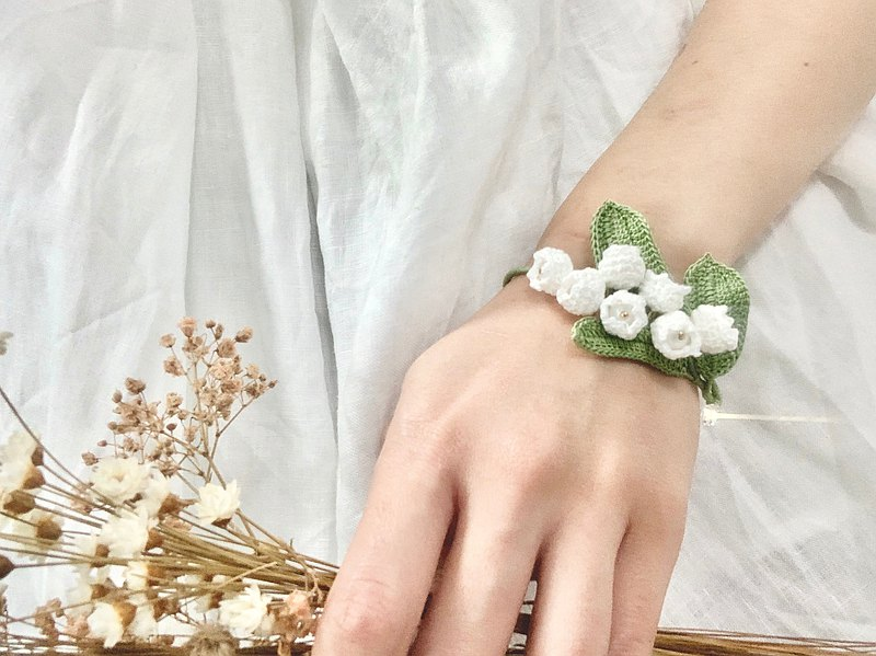 Lily of the Valley • Lily of the valley Swarovski crystal crocheted bracelet bracelet