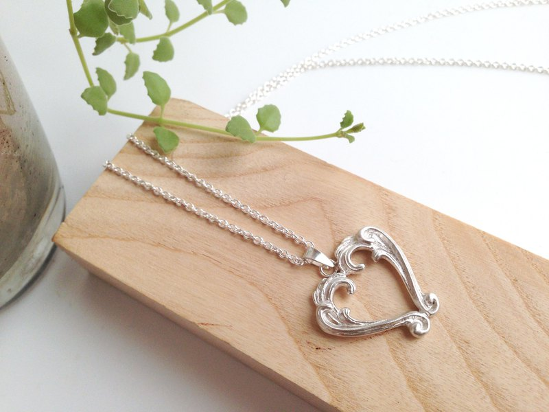 Fall In Love Silver Baroque Frames Heart Shape Necklace Handmade Gift For Lover