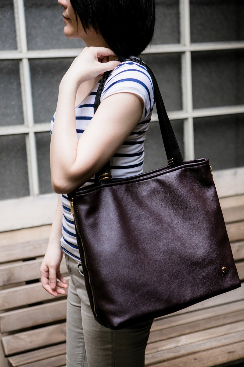 [CLM] Vegan Leather/Made in Taiwan/Ring Decorated Tote Bag-Chestnut