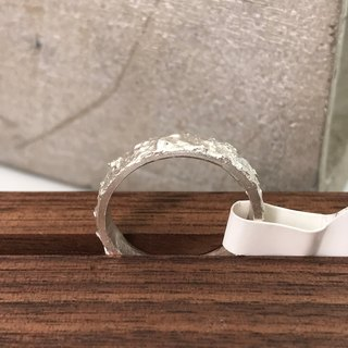 R11029 The Seducer Silver 999 Ring