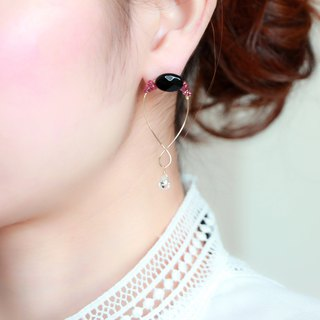 14kgf- onyx × garnet dreamer pierced earrings