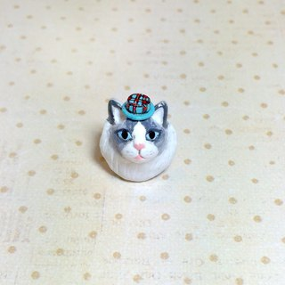 Ragdoll cat wearing a hat pin, cat pin, cat brooch, cat lover gifts