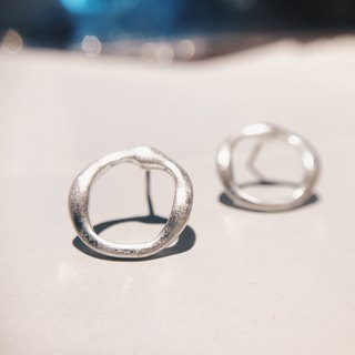 Distressed twisted ring - Old silver ear earrings (pair) [can be changed ear clip]