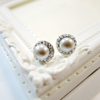 """Mermaid's tears Mermaid Tears"" shining pearl gray luxury Earrings ear"