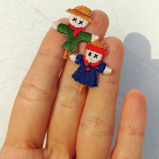 LineWorkLab Embroidery scarecrow earrings in couple