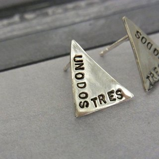 Triangle earring / silver